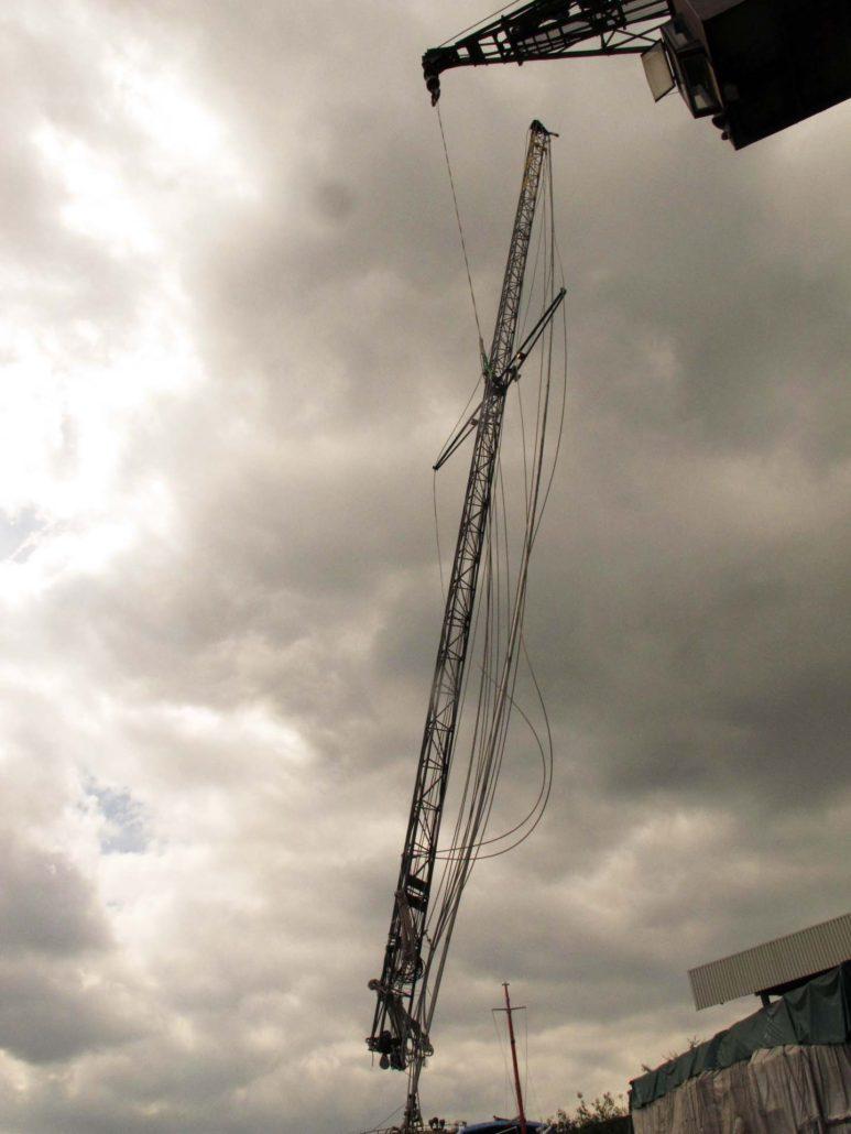 Schwebender Mast