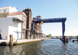 Amsterdam - Beladekrahn im Hafen