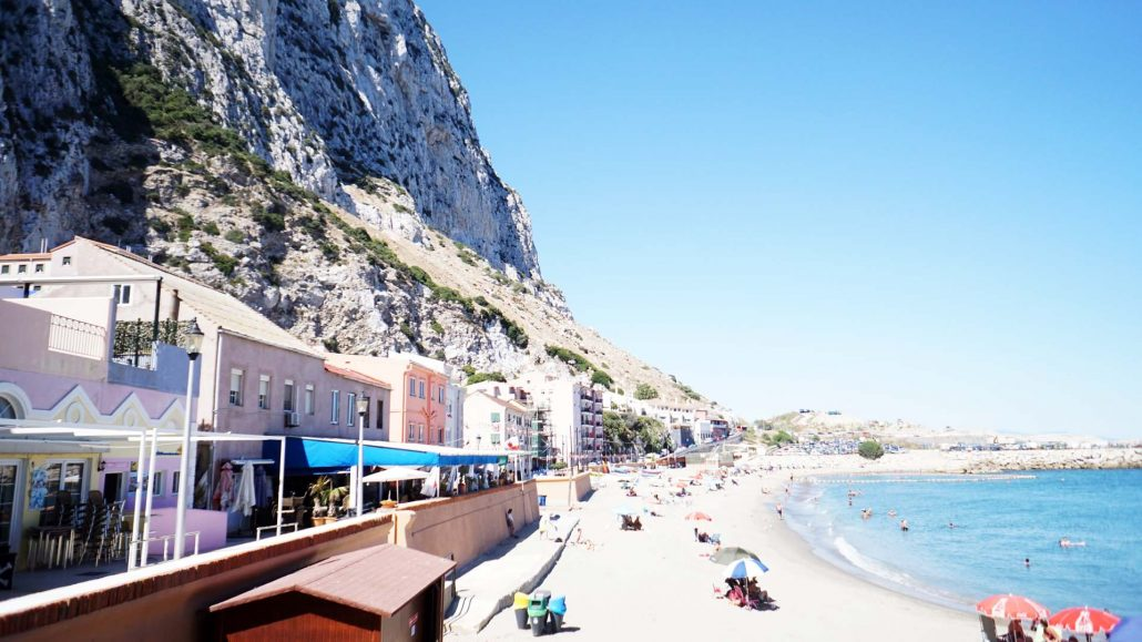 Mittelmeerseite des Felsen, Strand La Caleta