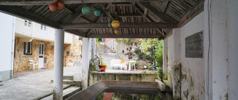 Ria de Baqueiro - Öffentliche Waschkaue . . . wird aber noch benutzt