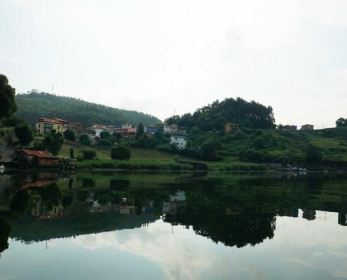 San Esteban, eine Bootstour den Ria hinauf