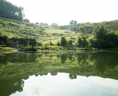 San Esteban, noch ein kleines Dorf den Ria hoch