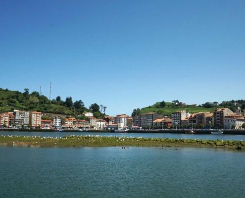 Ribadasella, Blick auf die Promenade