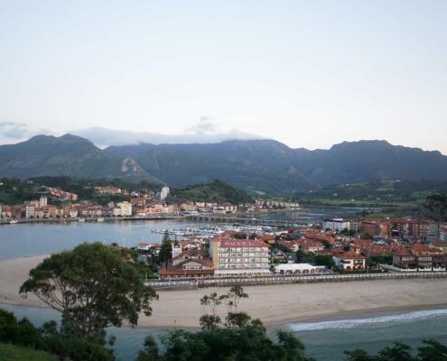 Ribadasella, Blick auf die Stadt