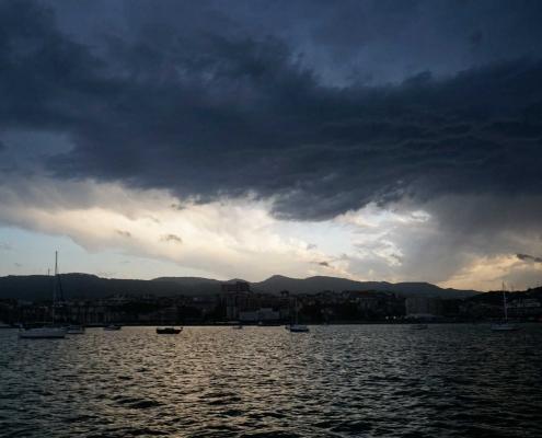 Wolken . . . . In der Bucht von Bilbao