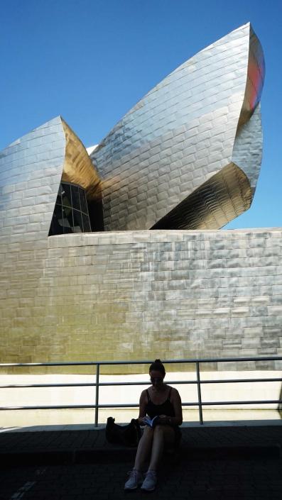 Bilbao, Guggenheim - Fassade mit Mädchen