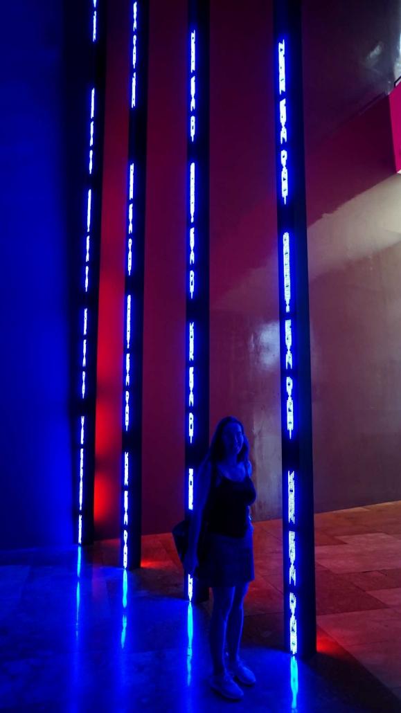 Bilbao, Guggenheim - Lichtspiele . . . mit Schwester